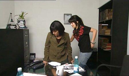 La familia taboo xxx superestrella Asa Akira es conocida por sus mamada descuidada