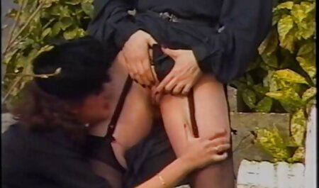 Chica taboo maduras en un consolador con orgasmo cremoso