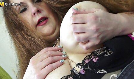 Grandes pezones oscuros pornos taboo colgando bajo